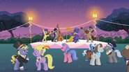 640px-Musical ensemble Canterlot garden party S2E09