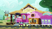 Friendship Express pulling into the station S7E24