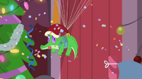 Gummy lowers down on a parachute BGES2