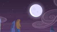 Moon in the sky S4E08