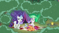 Rarity, Sweetie, and Scootaloo still in the swarm S7E16
