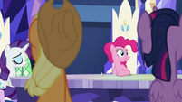 Rarity and Pinkie Pie in awkward silence S8E21