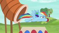 S06E18 Rainbow z łatwością pokonuje wszystkie przeszkody