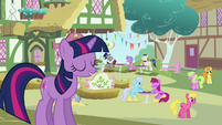 "Twilight singing ""my Ponyville"" S03E13"