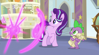 Twilight teleports out of Starlight's office S9E20