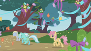 201px-Lyra Heartstrings and Windy Whirl run for the party S1E02