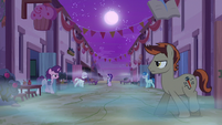 Dream Our Town ponies emerge from their homes S6E25