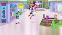 Mane Seven reappear in the Canterlot Mall EGS3