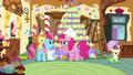 S05E19 Rozmowa pomiędzy panią Cake i Pinkie