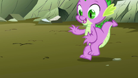 Spike leaping to the ground S01E19