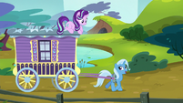 "Trixie ""road trips are a great way"" S8E19"
