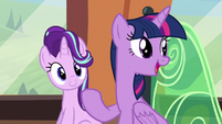 """Twilight """"will love all our gifts"""" S6E1"""