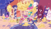 Wide view of Pinkie Pie's messy kitchen PLS1E1a