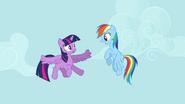 Rainbow Dash daje savjete za letenje S4E01