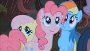 Pinkie Pie Giggle at the Ghostie (Pt-Br) HD
