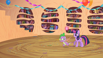 Spike spawns next to Twilight again S2E10
