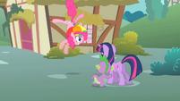 Pinkie Pie twitches S1E15