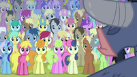 Ponies listening to Iron Will S02E19