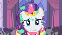 Rarity about to fling cake on Blueblood S1E26