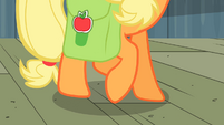 Applejack moving her hooves around S2E14