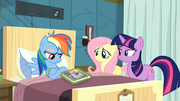 Twilight convincing Rainbow Dash to read S2E16.png