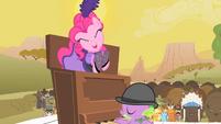 Pinkie Pie having fun S1E21