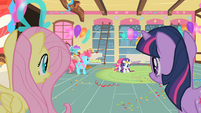 Rarity scared for her dress S1E22