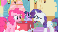 Rarity is pretty disgusted S01E25