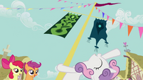 Sweetie Belle leaning back from flagpole S2E17