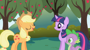 Applejack tells Twilight about being in charge of the food S01E01.png