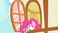 Pinkie Pie looks down S1E25