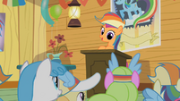 Scootaloo at the lectern S2E08