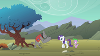 Rover approaching Spike and Rarity S01E19