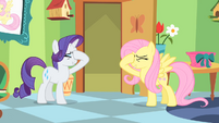 """Fluttershy and Rarity """"stick a cupcake in my eye"""" S01E20"""