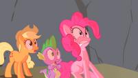 Spike Applejack & Pinkie Scared S1E15