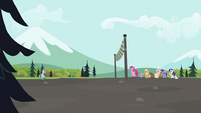 Tank with Rainbow making their way towards finish line S2E07