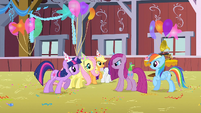 Pinkie Pie angry at her friends S1E25