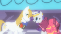 """Rarity and Blueblood """"how gallant he will be"""" S01E26"""