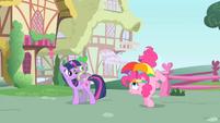 Pinkie Pie's tail starts twitching S1E15