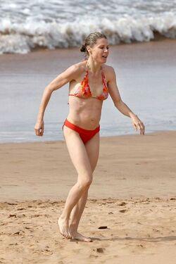Julie bowen hot