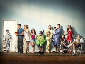 Modern-Family-EW-Photoshoot-modern-family-17014574-1280-969.jpg