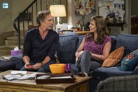 Mom-Episode-4-01-High-Tops-and-Brown-Jacket-Promotional-Photos-mom-cbs-39967098-595-397.jpg