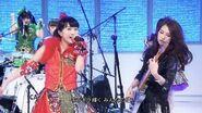 Momoiro Clover Z & Scandal - Ikuze! Kaitou Shoujo (Music Fair)