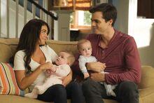 Haley y Dylan con sus hijos.jpg