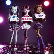 Diorama - FANGS for 100.000 FANS!