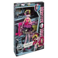 BDF12-Monster-High-Art-Class-Draculaura-Doll-1.jpg