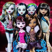 Diorama - group photo of Original Ghouls