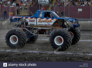 Monster-truck-equalizer-competing-at-the-monster-truck-challenge-at-B4YFCC