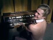 Nude organist 4