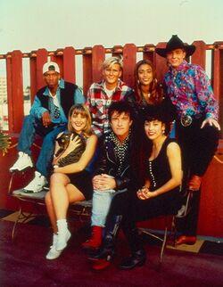 Season2-cast-1-Los-Angeles-Group-Photo-2-1493218137.jpg